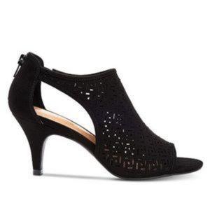 Style & Co Black Hyrine Shooties size 7